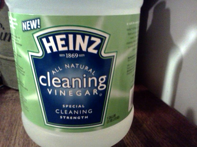 Heinz Cleaning Vinegar close #HeinzVinegar #Cbias