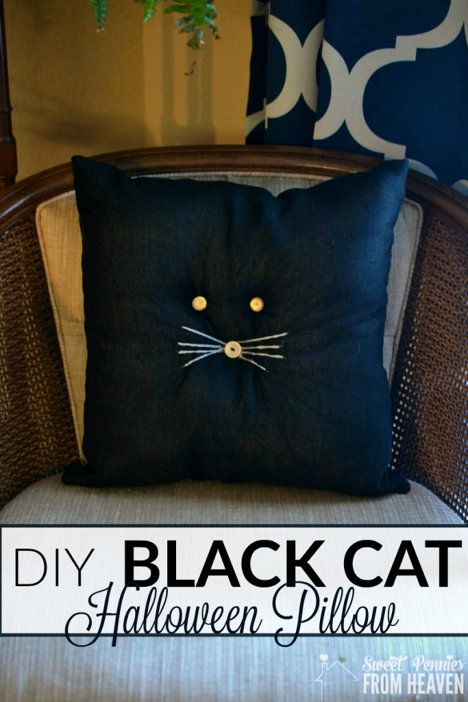 Easy DIY Black Cat Pillow. This is the sweetest primitive or farmhouse decor Halloween craft, especially for beginners! www.sweetpenniesfromheaven.com