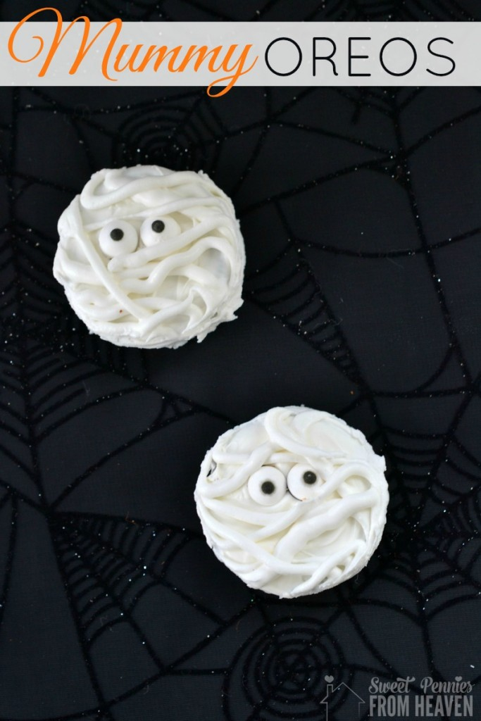 Super simple mummy oreos Halloween treat instructions - www.sweetpenniesfromheaven.com