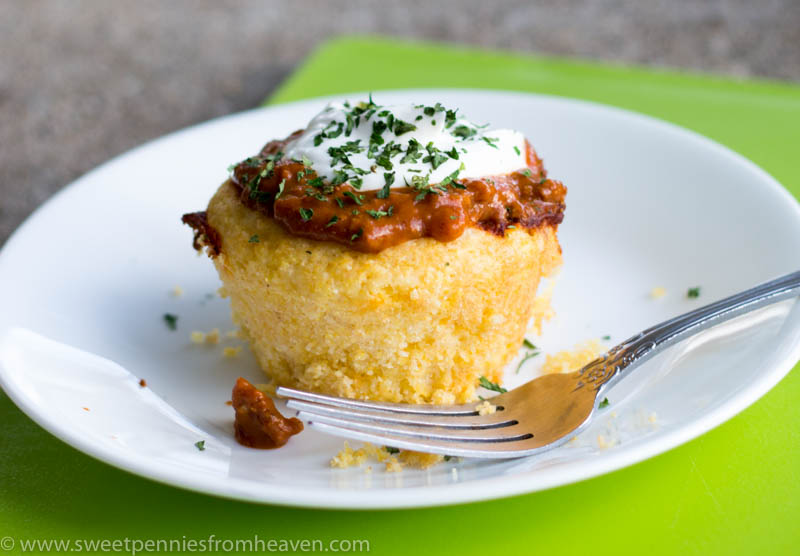 These chili cornbread muffins is a quick and easy recipe. Perfect for any weeknight meal!