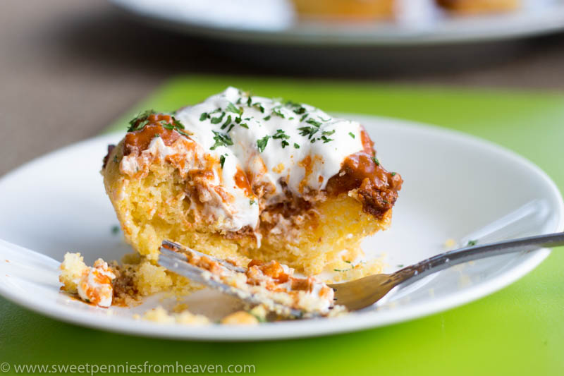This chili cornbread muffins recipe is a quick and easy weeknight meal idea!