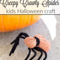 DIY spider kids halloween craft. So easy, and cute! www.sweetpenniesfromheaven.com